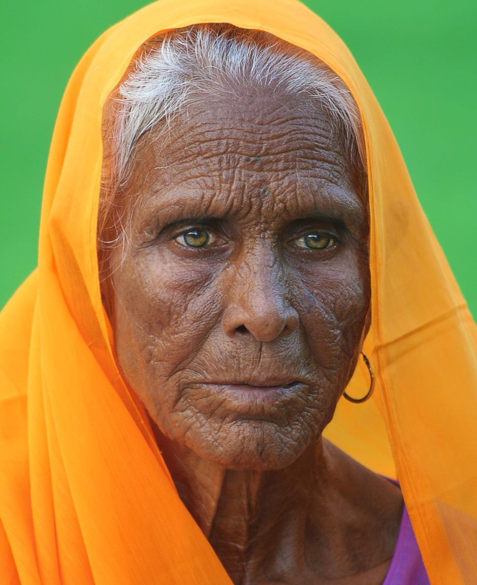 indian-woman-bright-colors.jpg