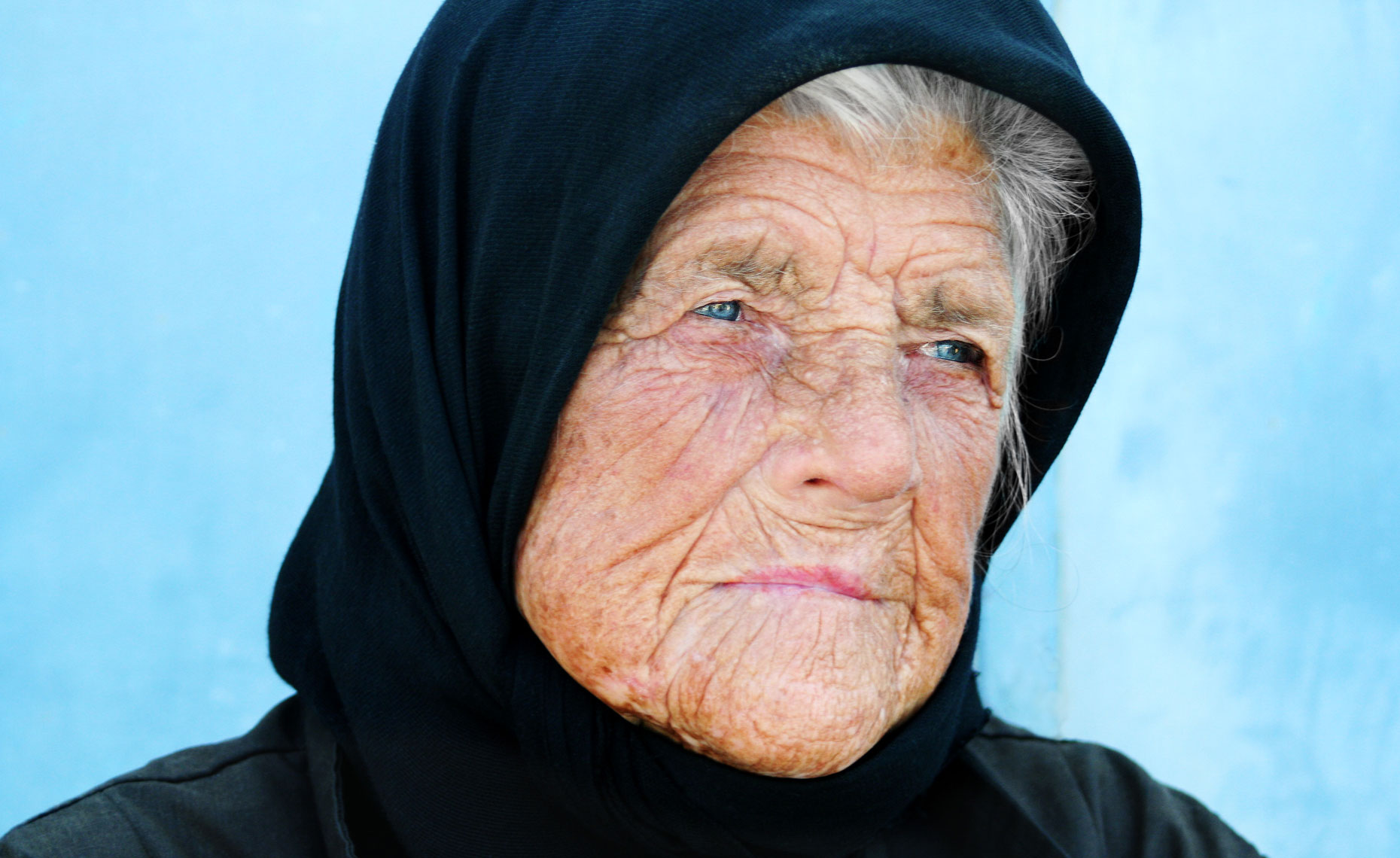 old-santorini-woman.jpg