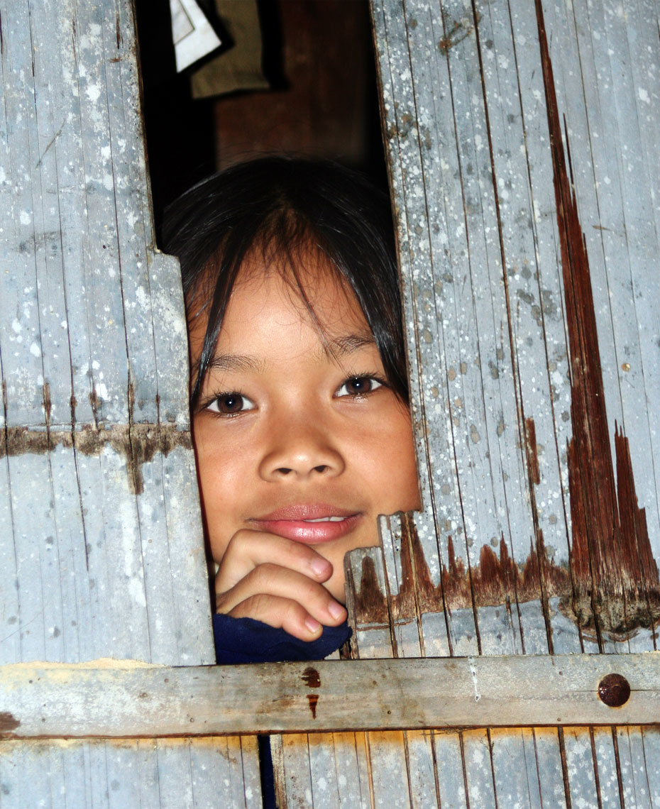 thai-girl-in-hut.jpg