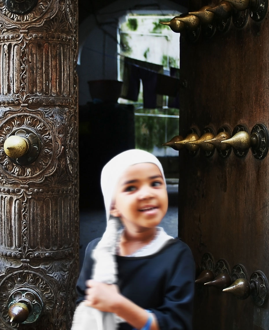 zanzibar-girl-in-doorway.jpg